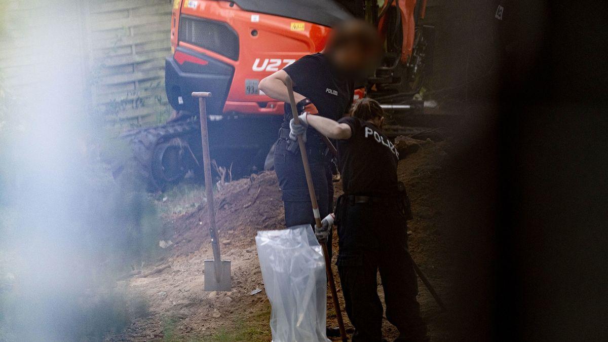 Polizei gräbt in Kleingartenanlage in Hannover