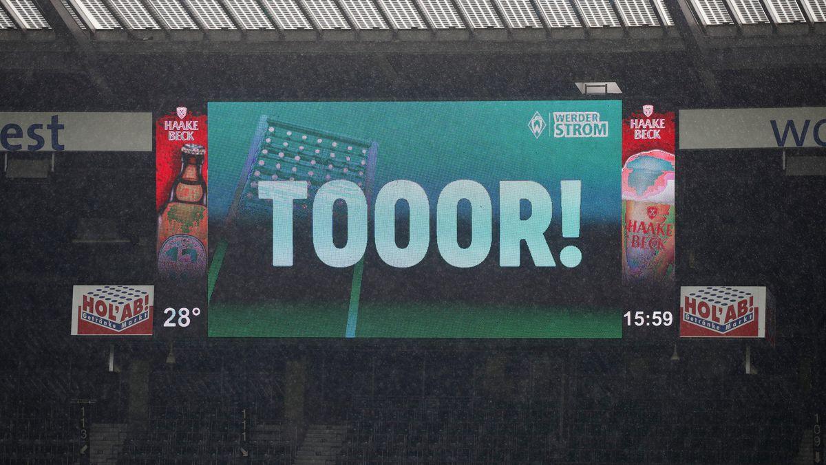 Anzeigetafel in Bremen nach einem Tor für Werder