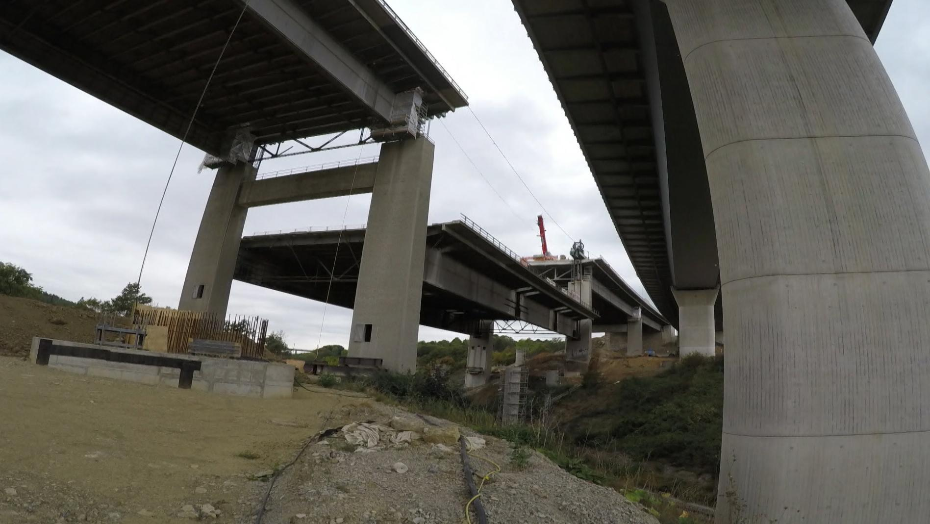 Abbruch der Autobahnbrücke