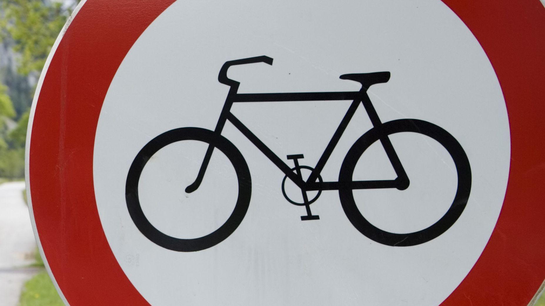 Symbolbild Fahrradfahren verboten