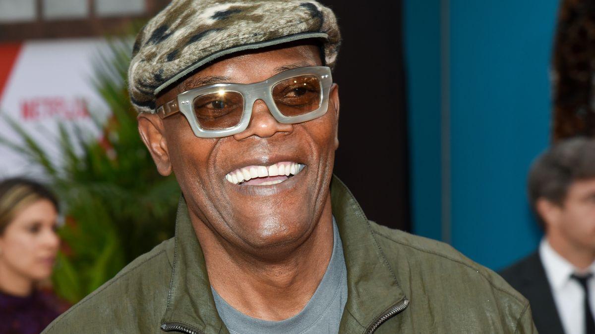 Samuel L. Jackson, lachend mit Kappe und Sonnenbrille