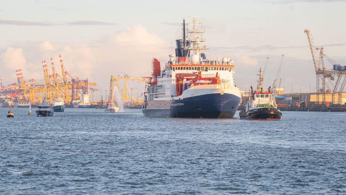 Rund ein Jahr lang war das Forschungsschiff Polarstern im Eis der Arktis festgefroren unterwegs. Am 12. Oktober 2020 kehrte die Polarstern nach Bremerhaven zurück.