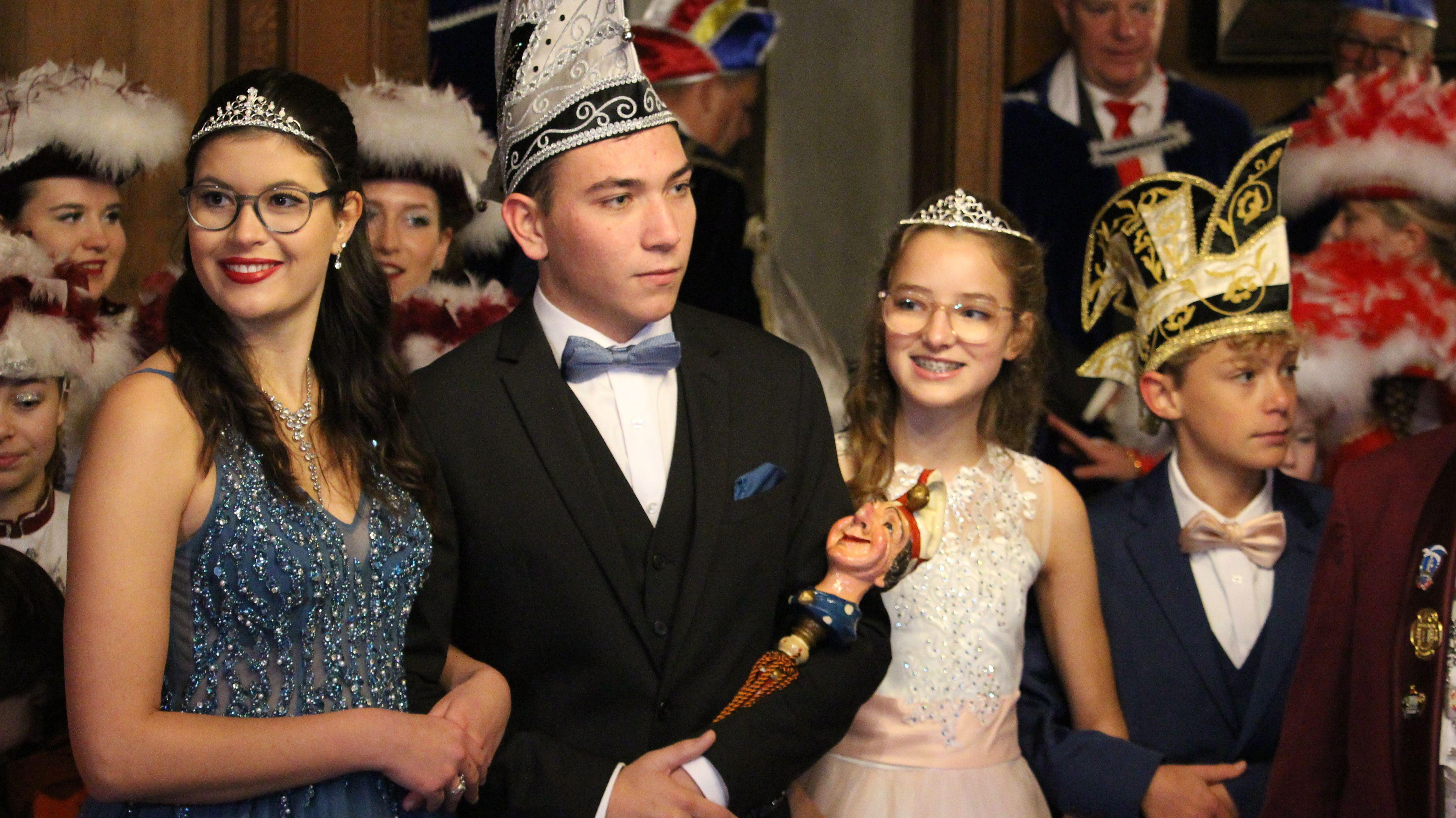 Die Prinzenpaare der Lusticania: Prinzessin Stefanie II. und Prinz Hans II., rechts daneben Kinder-Prinzessin Sonja und ihr Prinz Ben