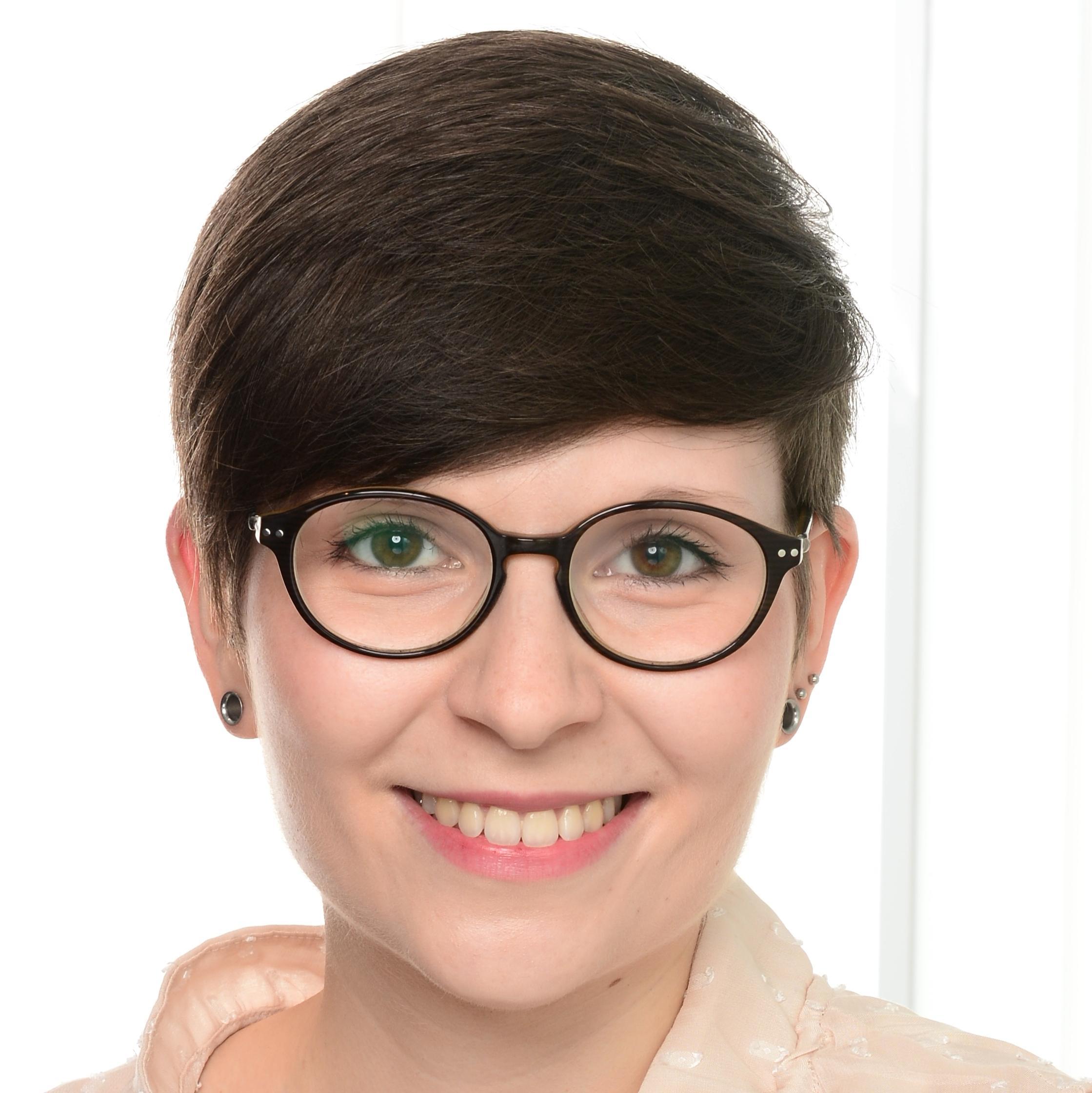 Annika Svitil