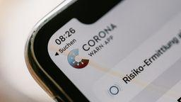 Zur Corona-Warn-App kann man einiges fragen - und zu wissen. | Bild:BR/Johanna Schlüter