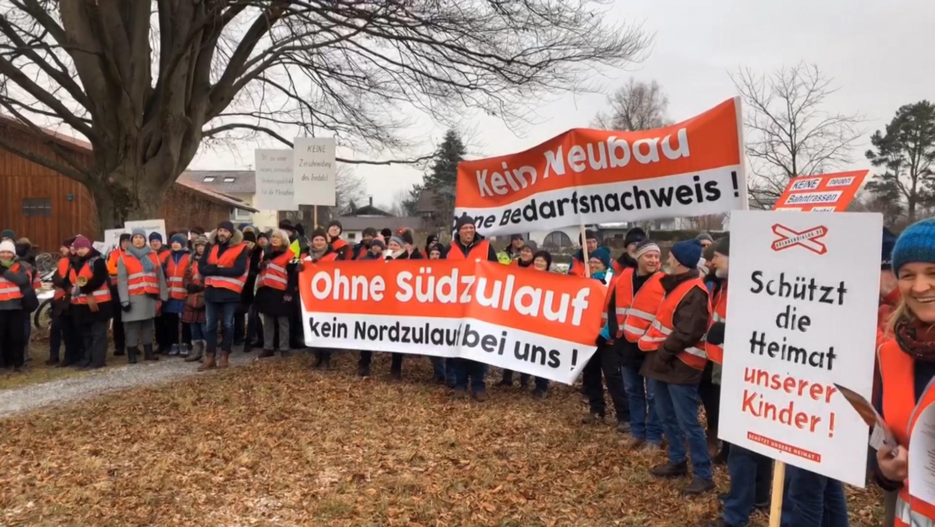 Protest gegen neue Bahntrasse im Inntal