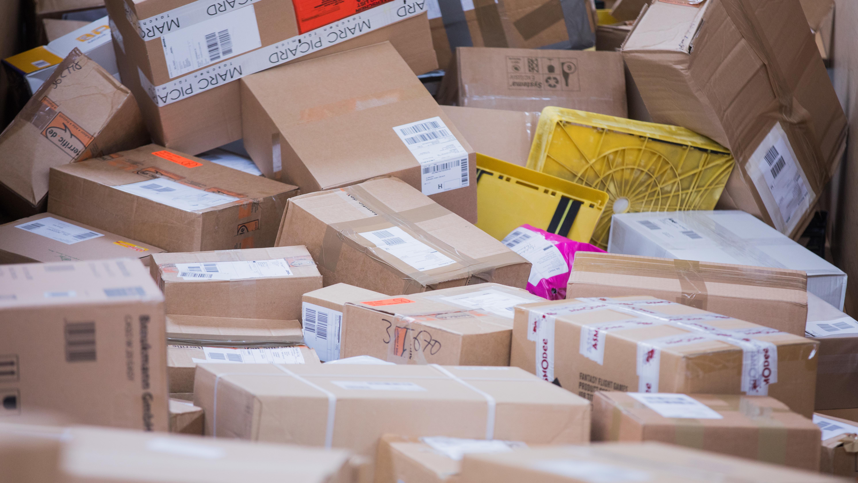 Pakete und Päckchen bei der Deutschen Post
