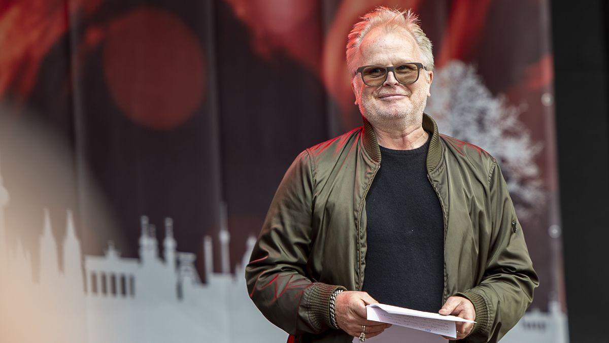 "Musiker Herbert Grönemeyer bei der Demo ""Alarmstufe Rot"" in Berlin"