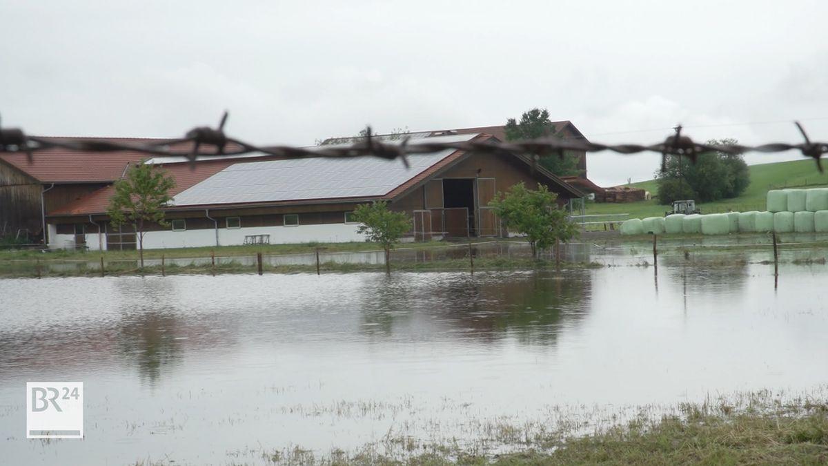 Das Unwetter im Süden Oberbayerns hat zu zahlreichen Überschwemmungen geführt.