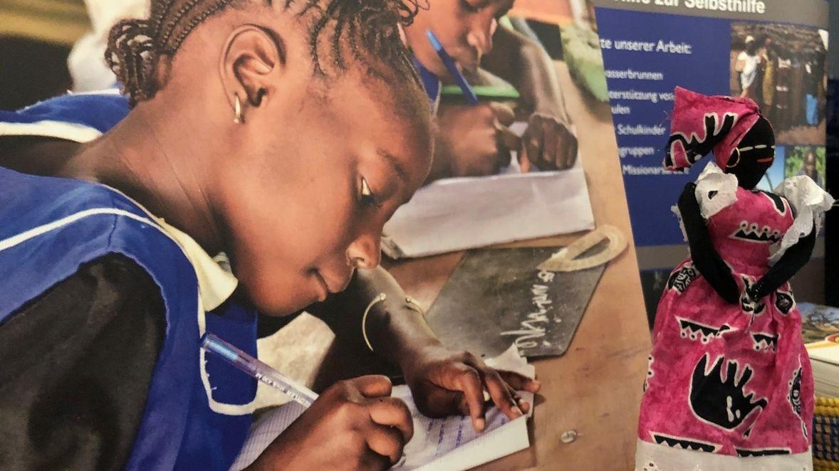 Schulen für Afrika