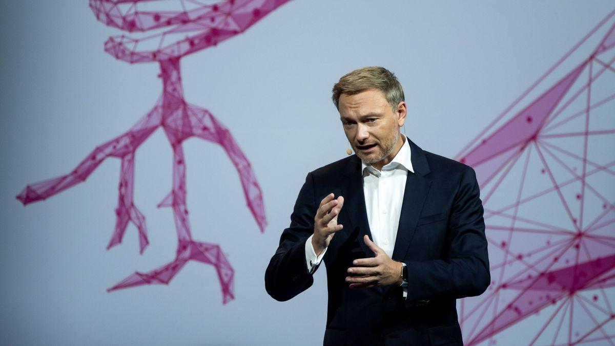 Christian Lindner, Bundesvorsitzender der FDP, auf dem Parteitag in Berlin