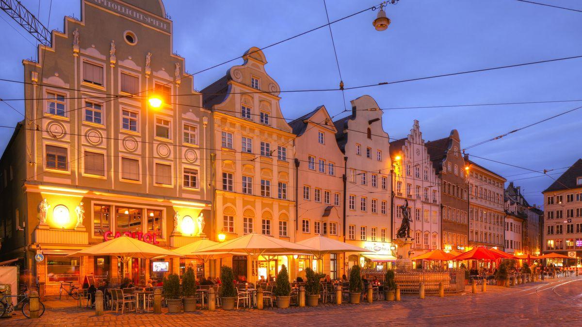 Maximilianstraße in der Augsburger Altstadt