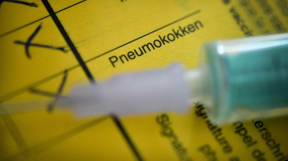 Pneumokokken-Eintrag im Impfbuch   Bild:picture alliance/Bildagentur-online