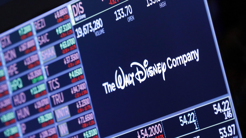 Das Logo von «The Walt Disney Company» erscheint über einem Handelsposten auf dem Parkett der New Yorker Börse