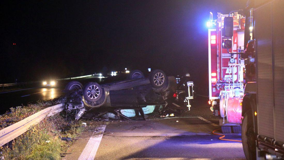 Unfallauto auf der B469 bei Großostheim