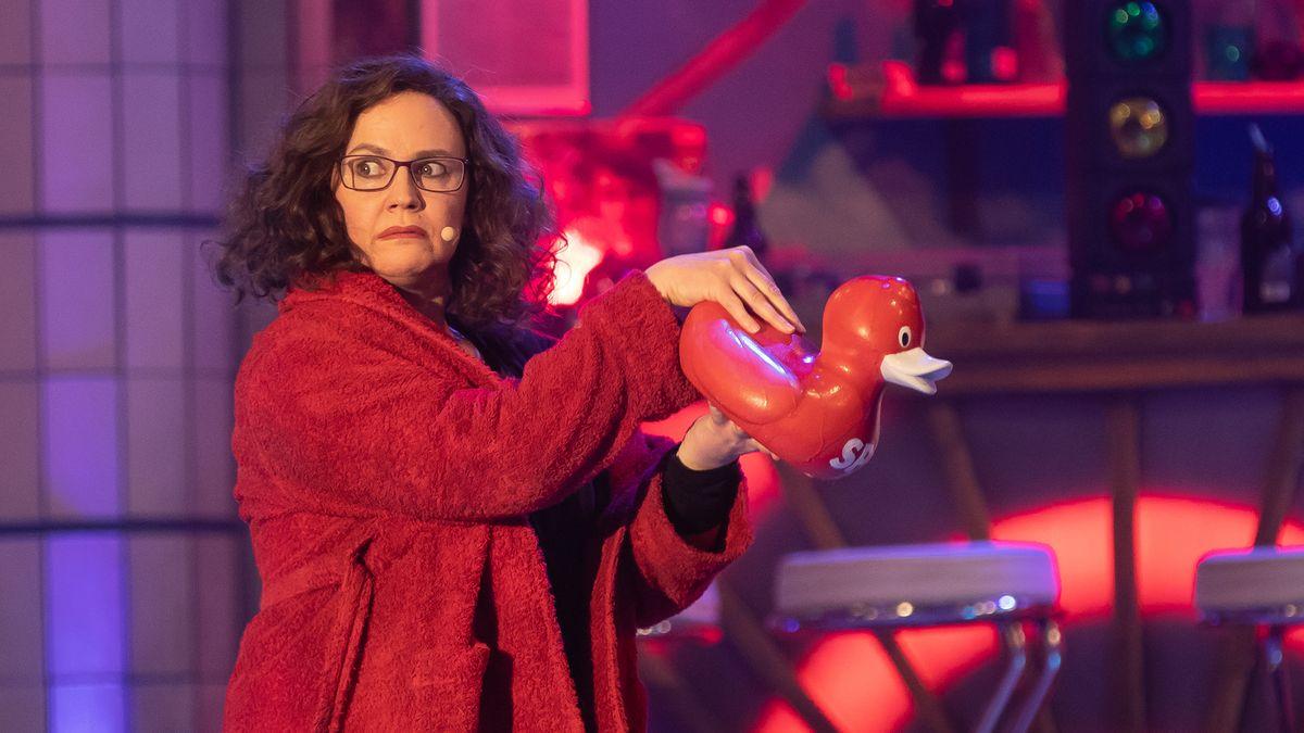 Nikola Norgauer spielt im Singspiel die SPD-Vorsitzende Andrea Nahles.
