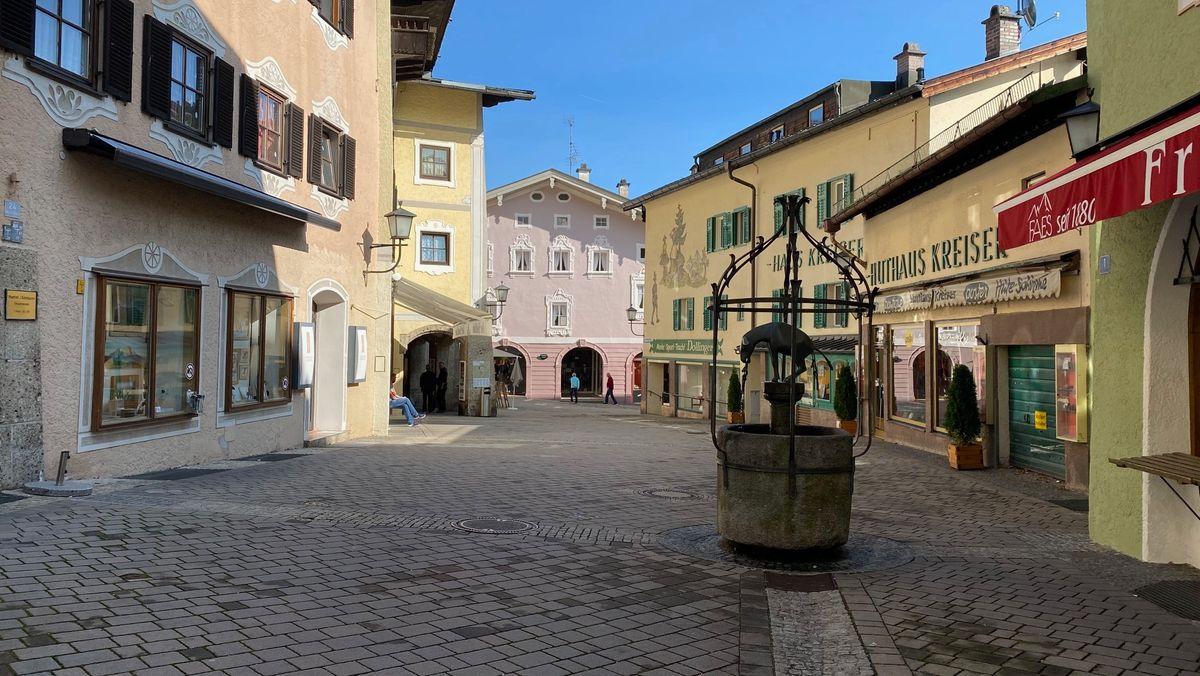 Stille, kaum Menschen in der Innenstadt von Berchtesgaden