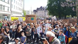 Eine Fridays-for-Future-Demonstration im Mai 2019 in Augsburg. | Bild:BR/Mario Kubina