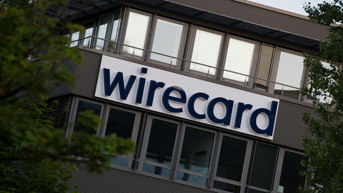 Der Schriftzug von Wirecard an der Firmenzentrale in Aschheim