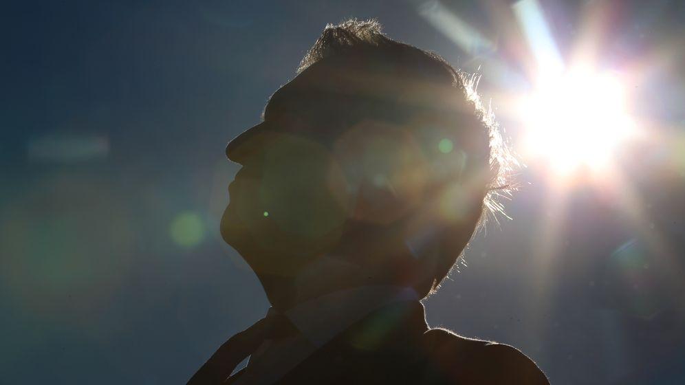 Ministerpräsident Markus Söder steht vor der Sonne   Bild:picture alliance/Karl-Josef Hildenbrand/dpa