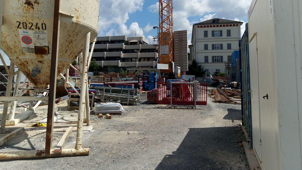 Auf diesem Grundstück wird das Vier-Sterne-Hotel gebaut