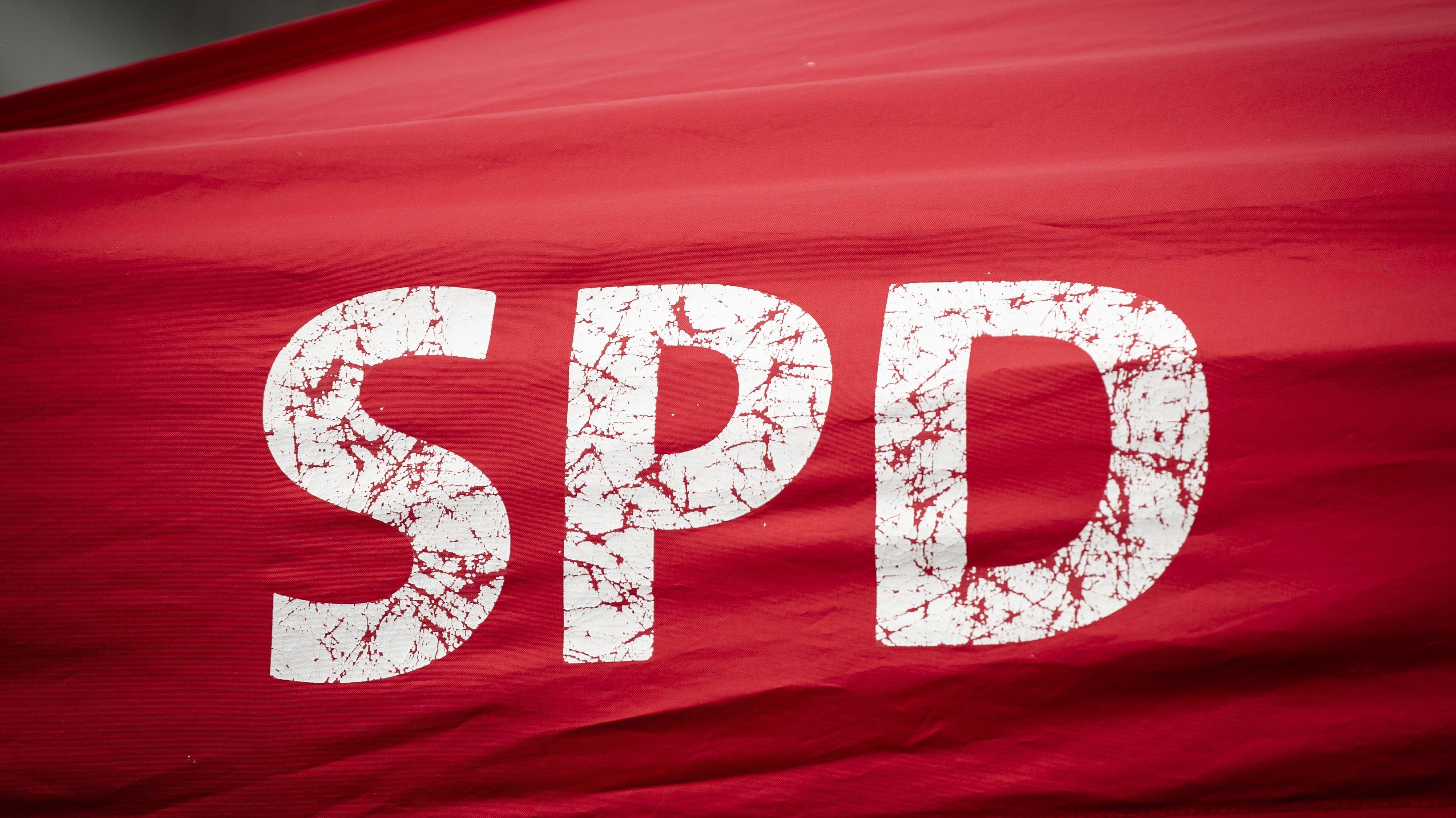 Wenige Tage vor der Urteilsverkündung gegen den suspendierten Regensburger OB Wolbergs verlassen zwei SPD-Stadträte die SPD-Stadtratsfraktion.
