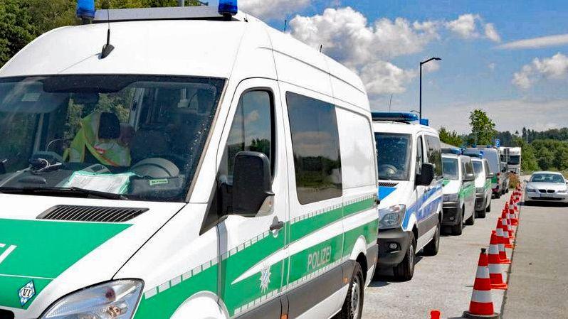 Vier Tage lang kontrollierte die niederbayerische Polizei insgesamt 500 Verkehrsteilnehmer auf der A3 zwischen Hengersberg und Iggensbach.