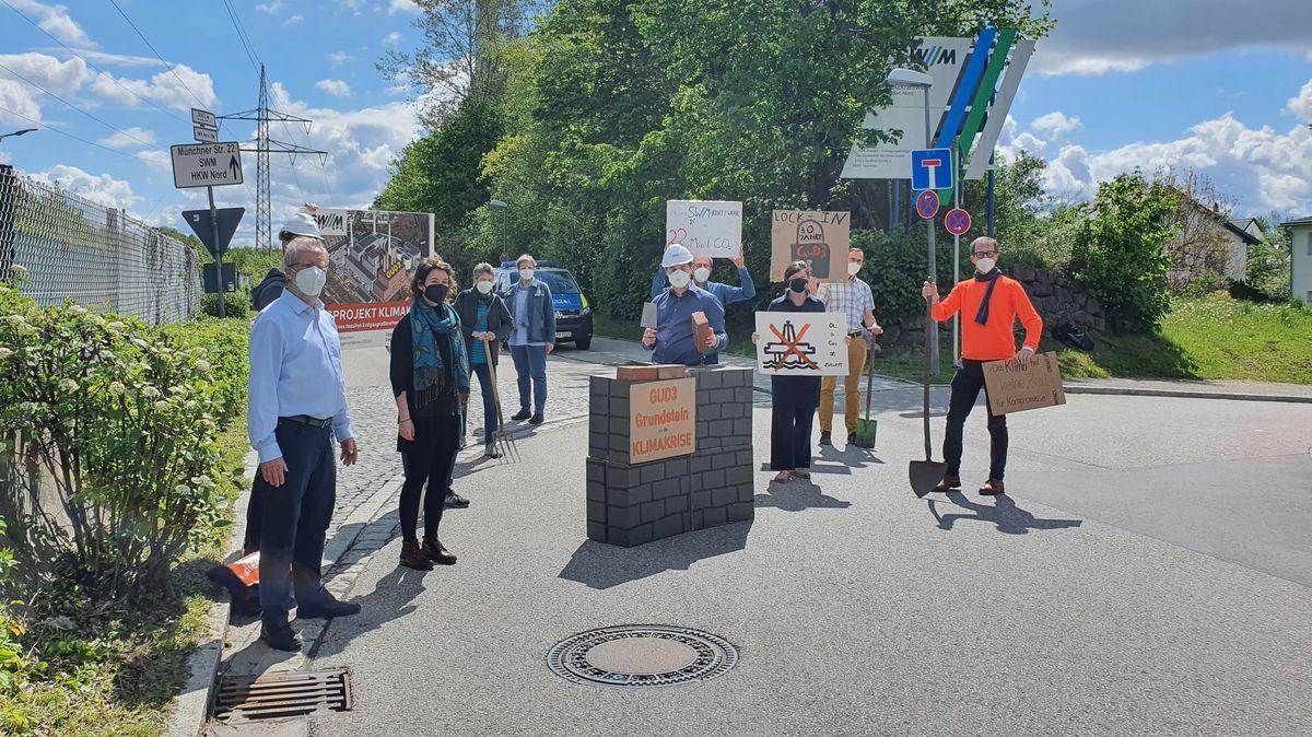 Die Protestaktion der Münchner und Unterföhringer Gruppen.