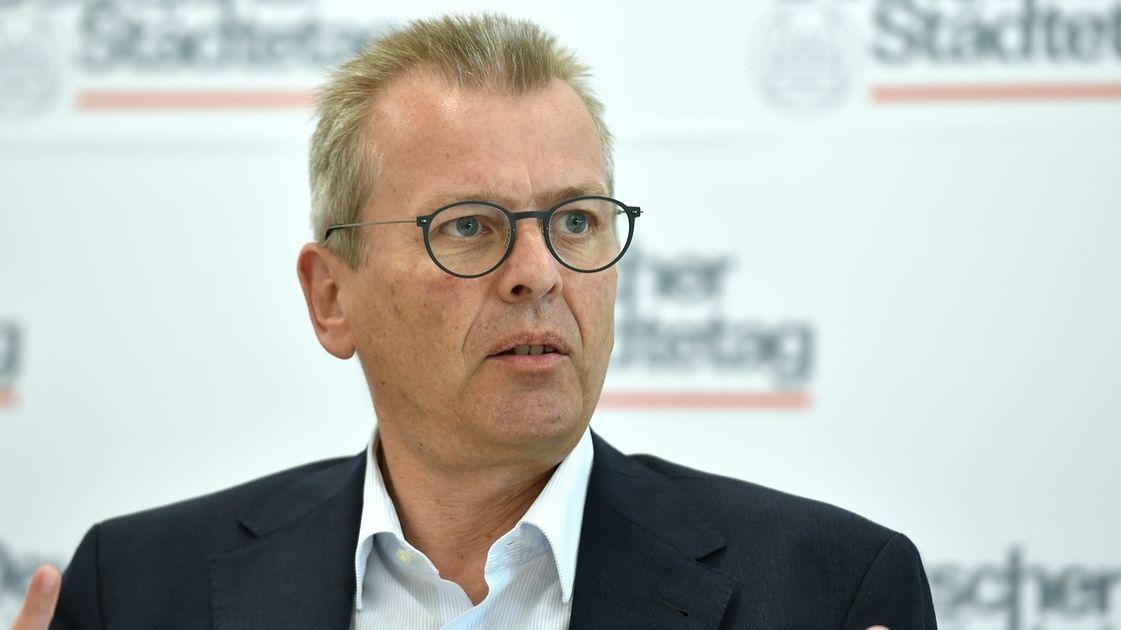 Ulrich Maly (SPD), Vizepräsident des Städtetages und Oberbürgermeister der Stadt Nürnberg
