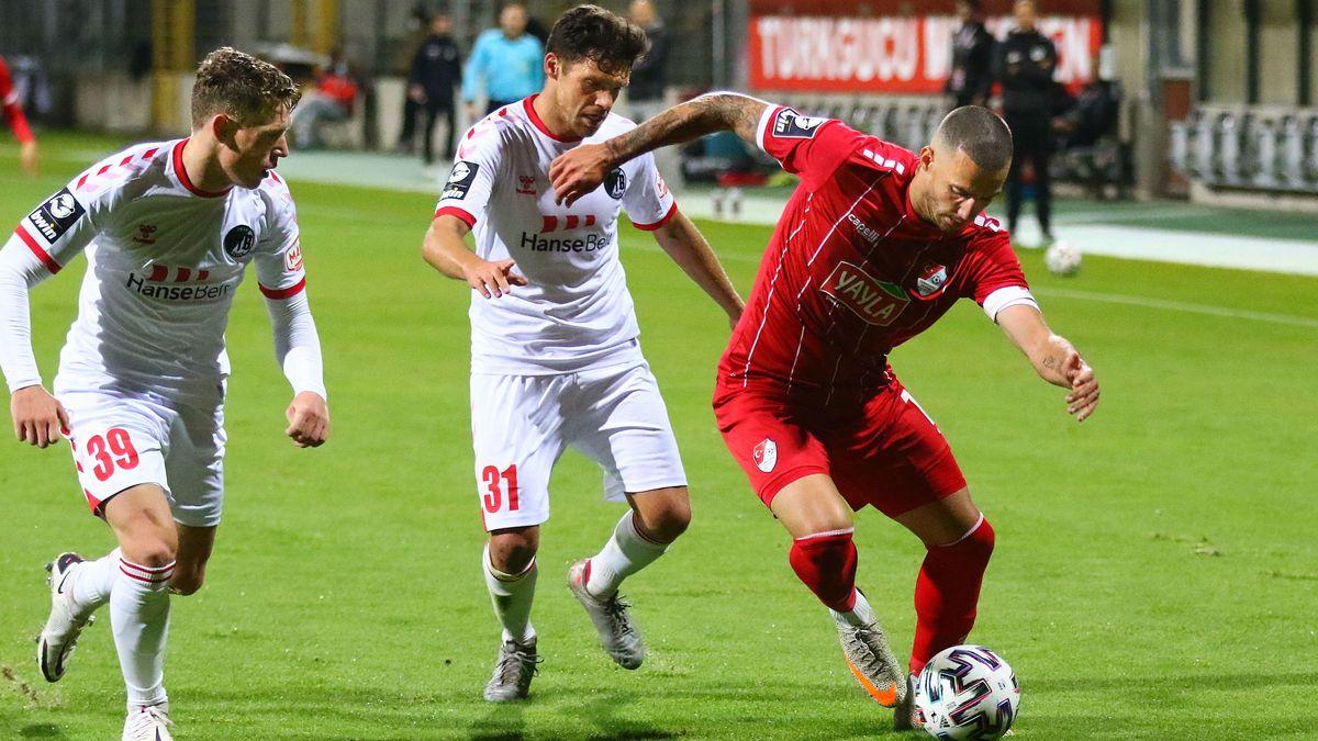 Spielszene Türkgücü München - VfB Lübeck