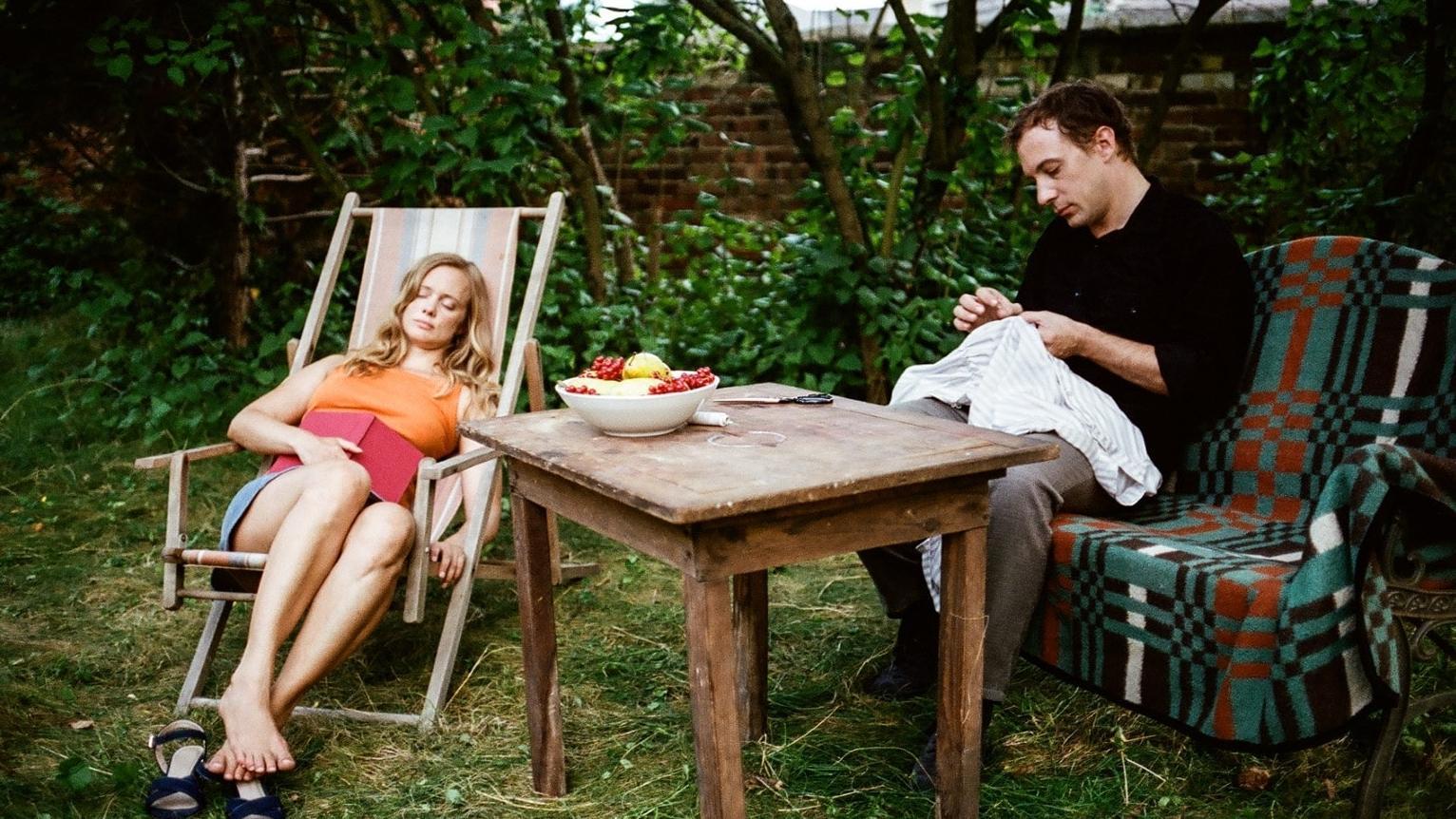"""Szene in """"Adam und Evelyn"""" Andreas Goldsteins Adaption des gleichnamigen Romans von Ingo Schulze"""