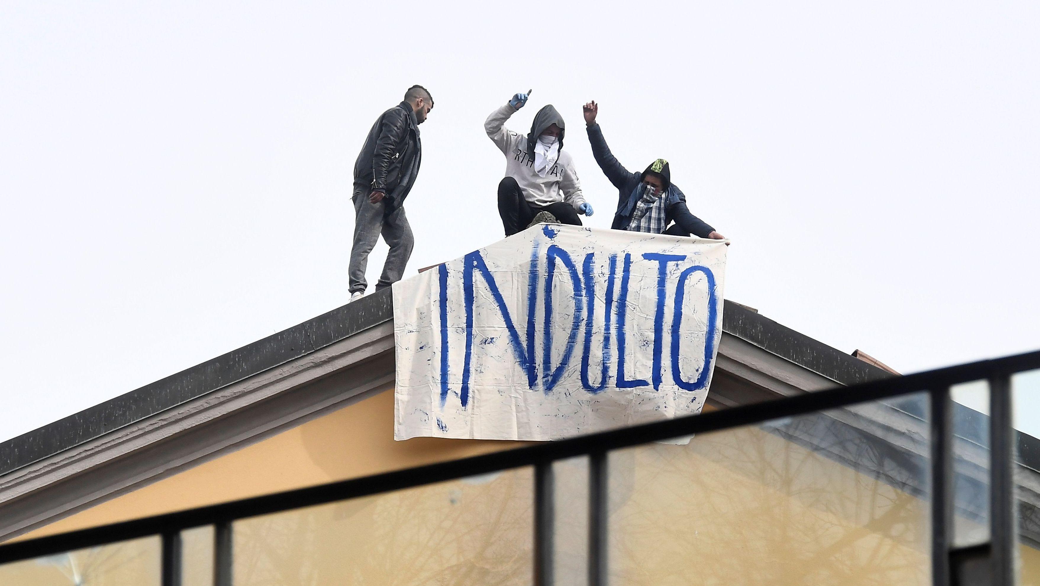 Revoltierende Gefangene in Mailand