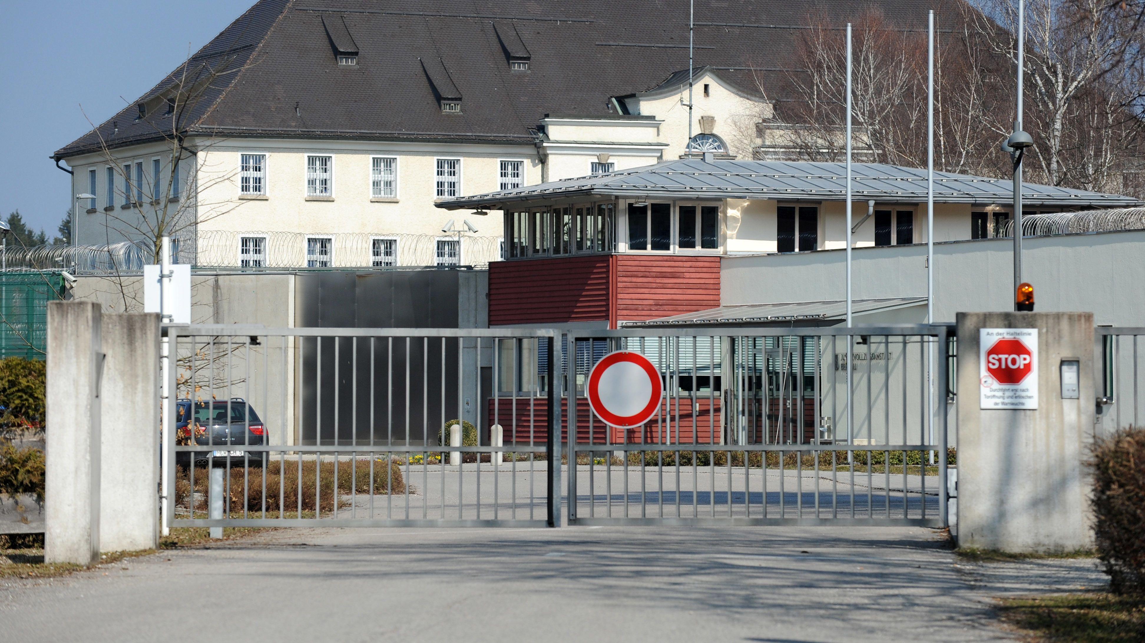 Tor zur Justizvollzugsanstalt in Bernau am Chiemsee