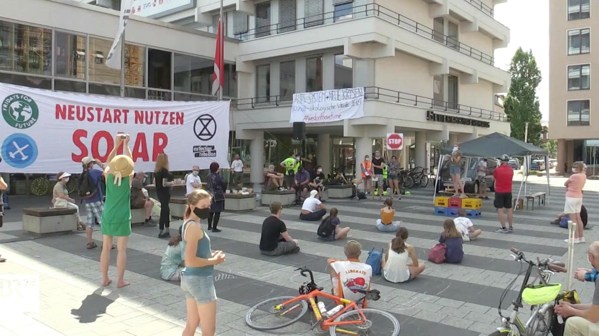 """Fridays for future"" demonstrieren am Nürnberger Kornmarkt"