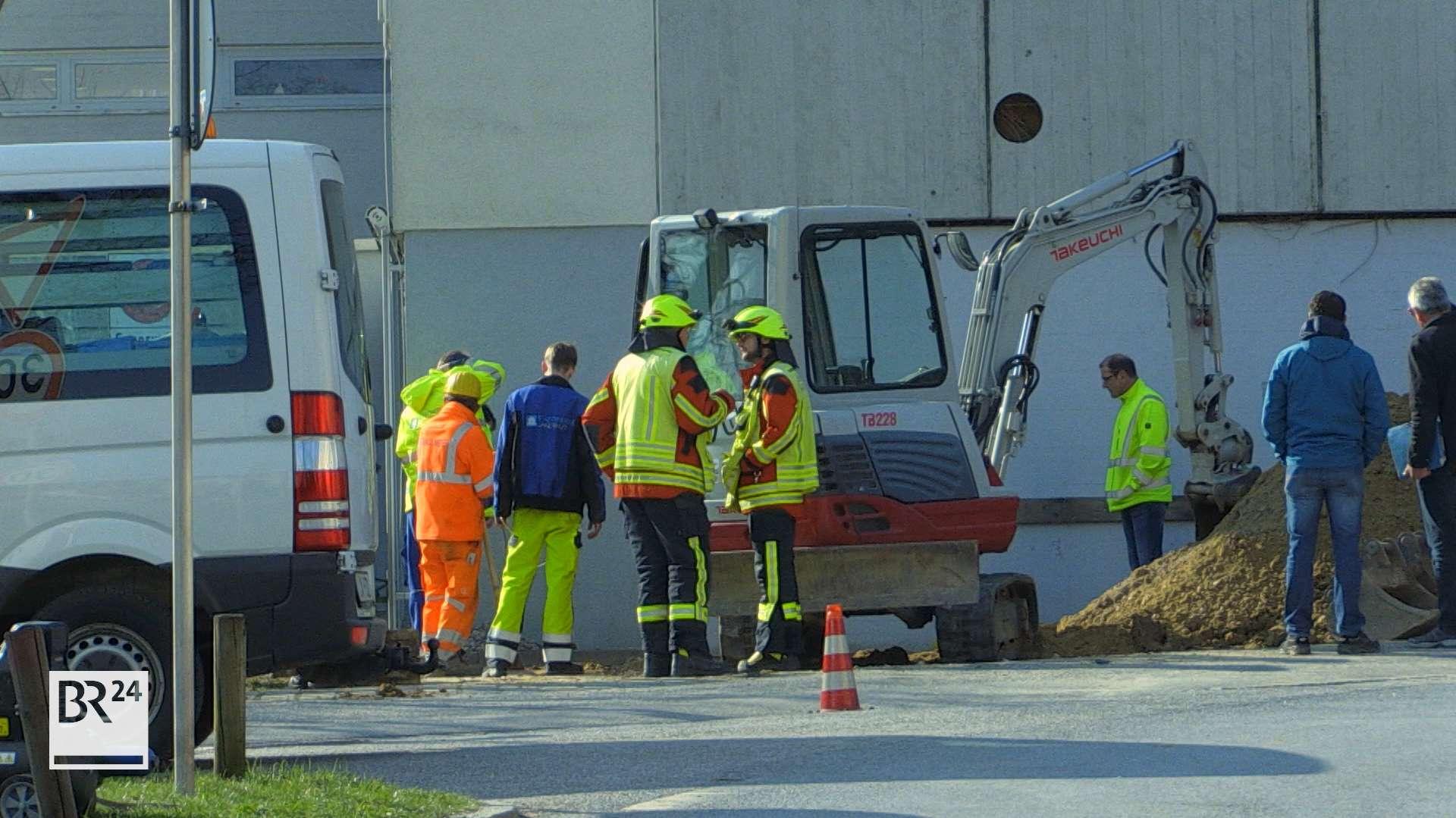 Großeinsatz in Landshut: Bei Bauarbeiten wurde eine Gasleitung beschädigt. Das naheliegende Seniorenheim musste teils evakuiert