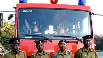 Gespendetes Feuerwehrauto nach drei Jahren endlich im Einsatz