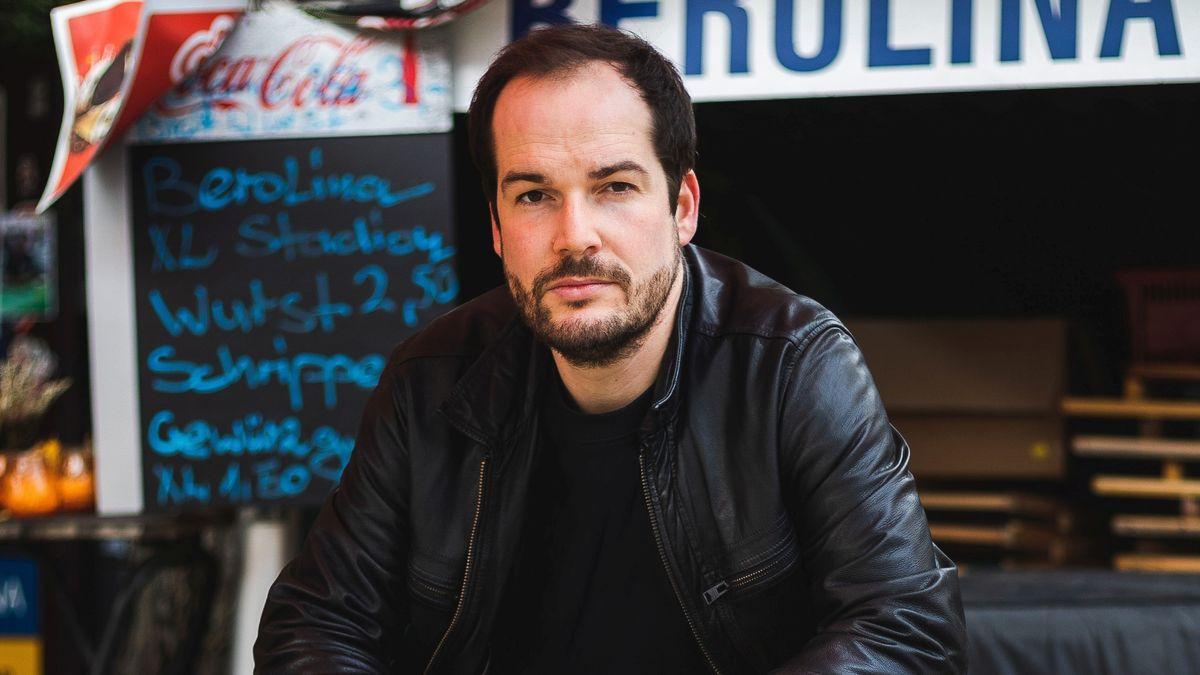 Der Lyriker und Publizist Max Czollek