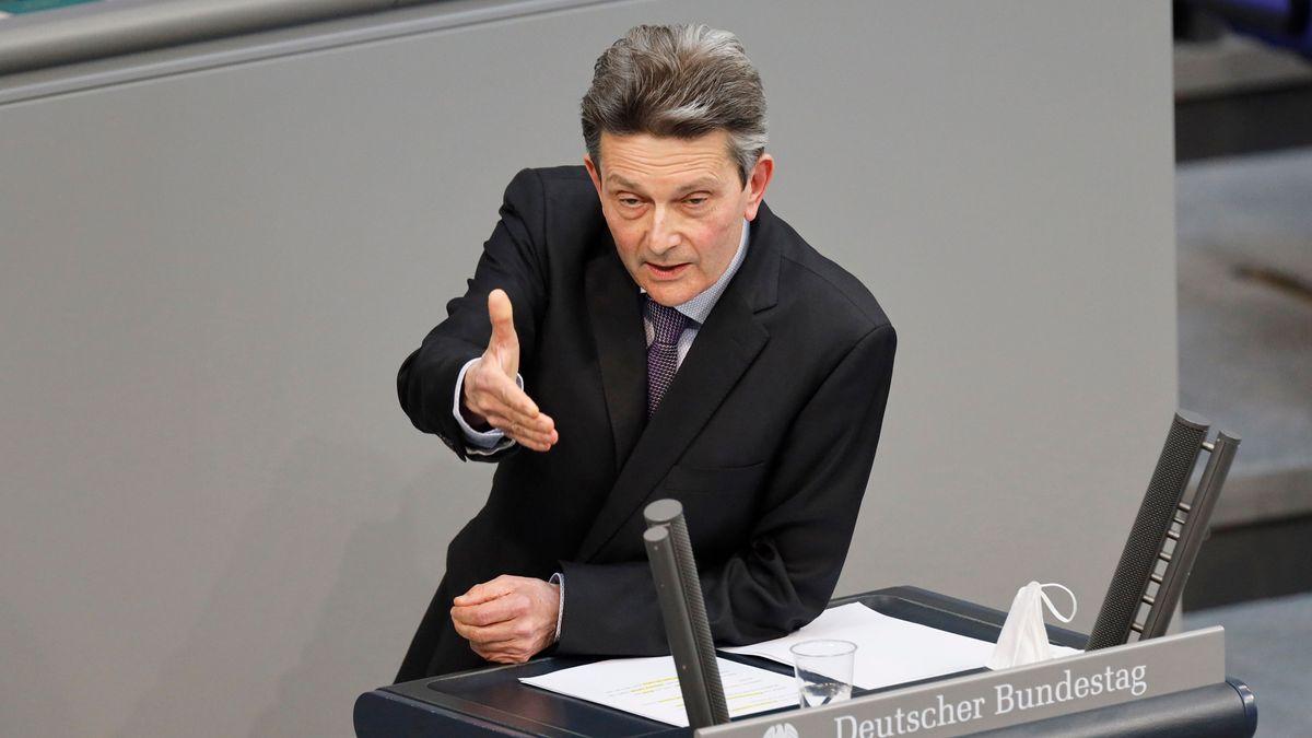 Rolf Mützenich, SPD-Fraktionschef, bei einer Rede im Deutschen Bundestag