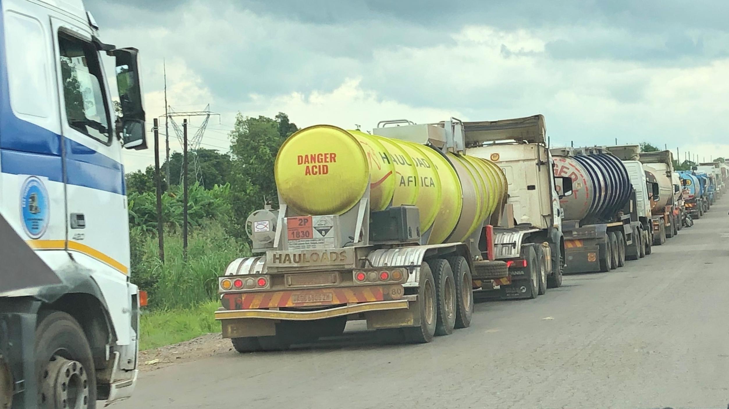 Der große Stau: Die Einreise in den Kongo will gut überlegt sein