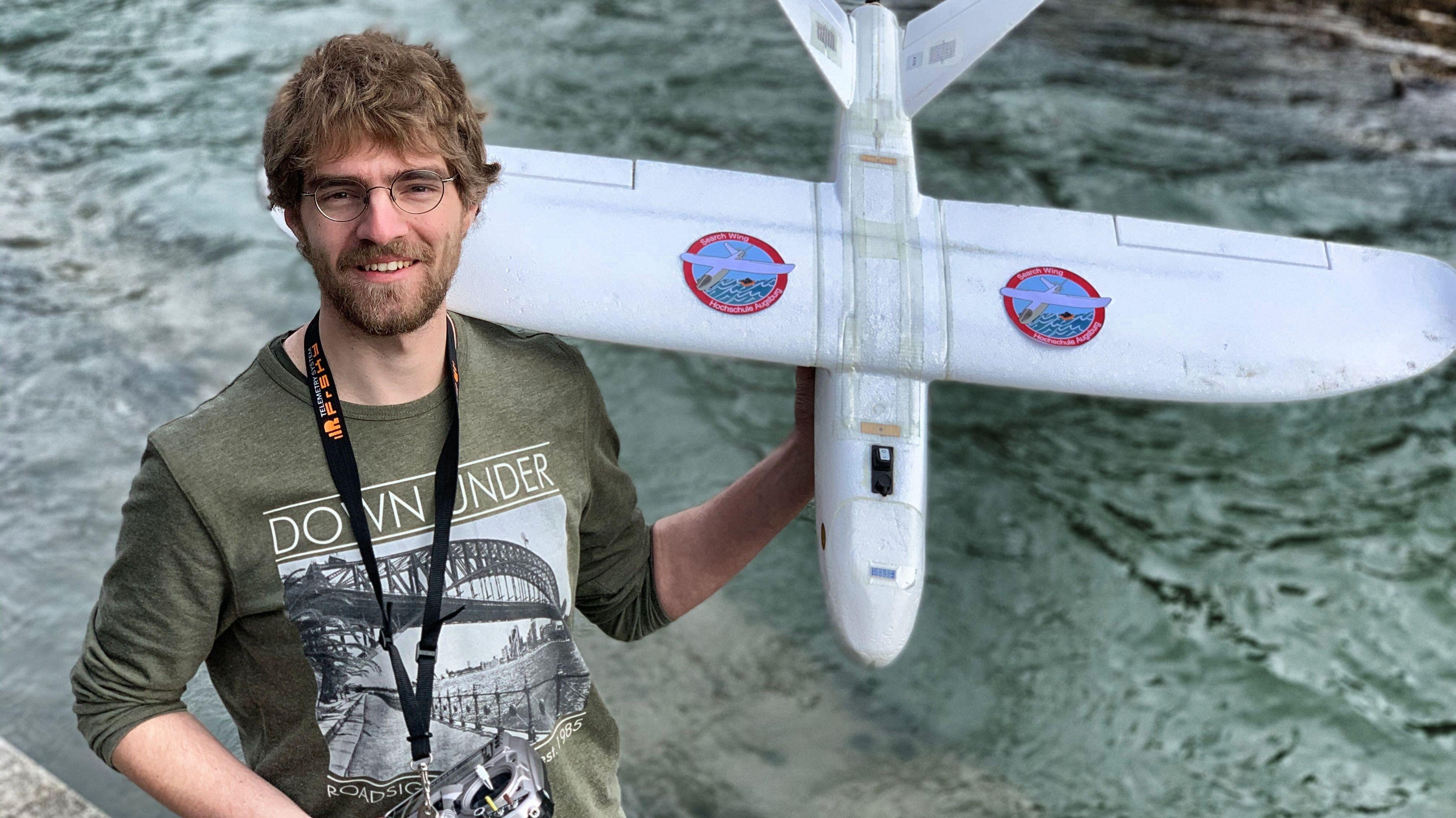 Mit dieser selbst konstruierten Drohne wollen die Seenotretter im Mittelmeer nach Schiffbrüchigen suchen.