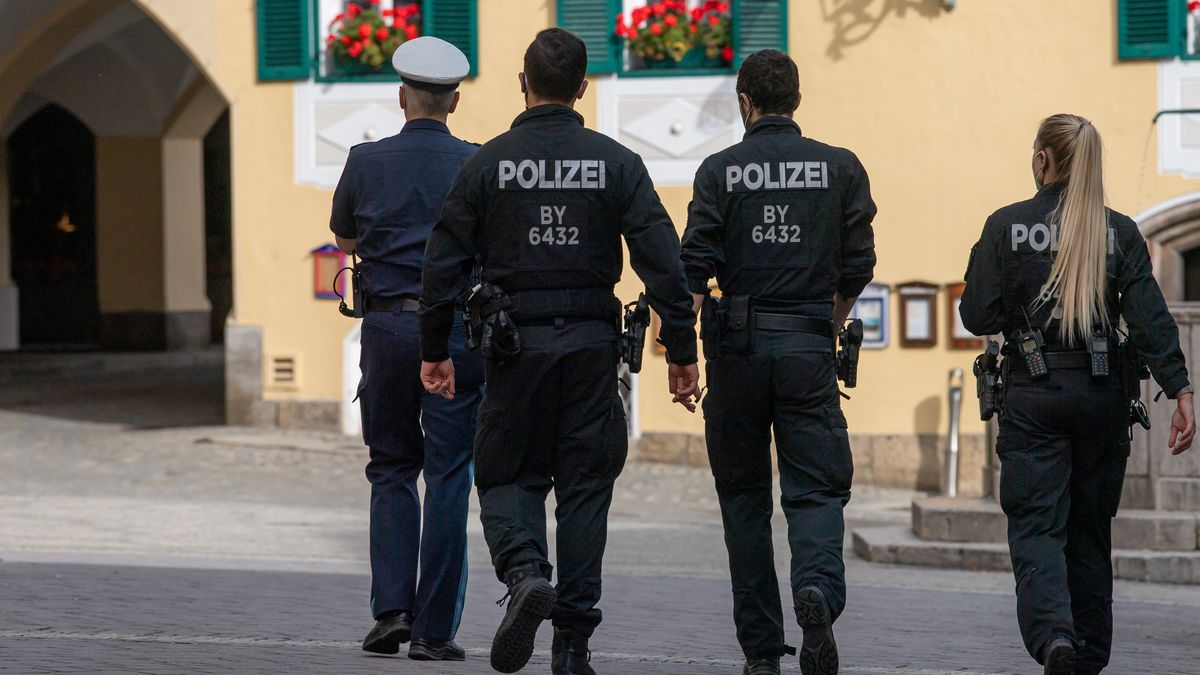 Archivbild: Polizisten in Berchtesgaden