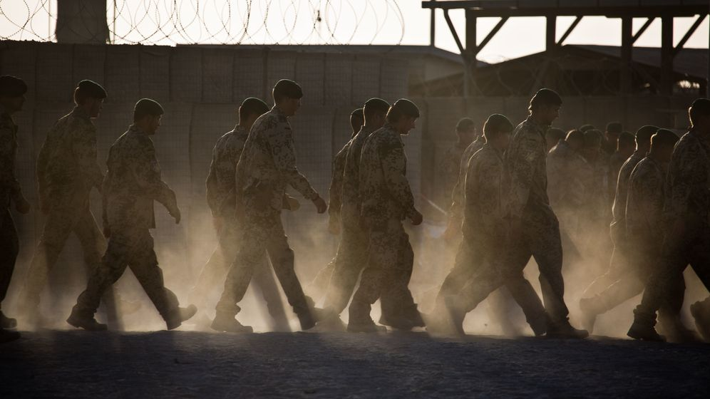 Bundeswehrsoldaten 2013 im afghanischen Kundus (Symbolbild).   Bild:Michael Kappeler/dpa