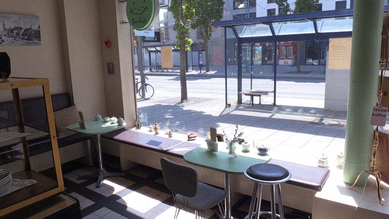 """Cafés wie die """"Naschkatze"""" in Neu-Ulm geraten in Nöte wegen der Coronavirus-Auflagen."""