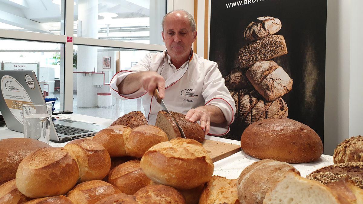 Brotprüfer Manfred Stiefel in Bad Kissingen