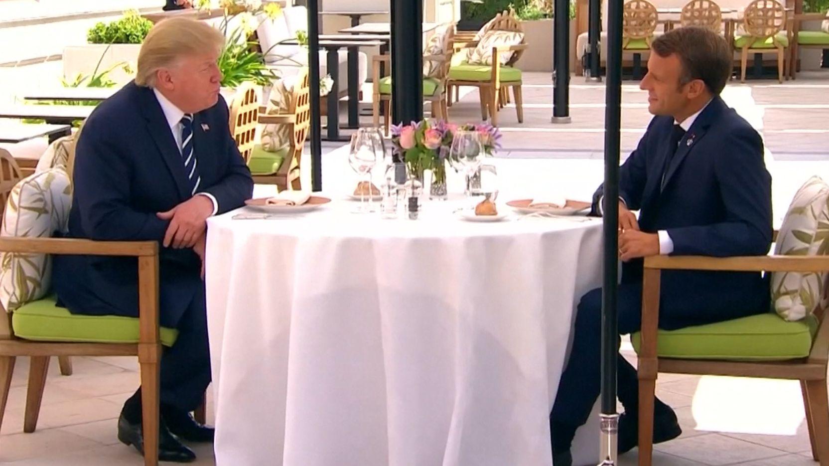 Völlig unerwartet war Irans Außenminister zum G7-Gipfel in Biarritz eingetroffen. Die Blitzvisite wirbelte den Zeitplan des Treffens gehörig durcheinander. Trotzdem wurden auch Beschlüsse gefasst.