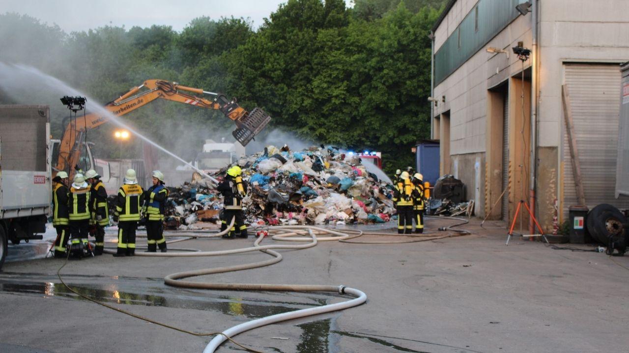 Beim Entsorgungsunternehmen Remondis in Königsbrunn hat es gebrannt.