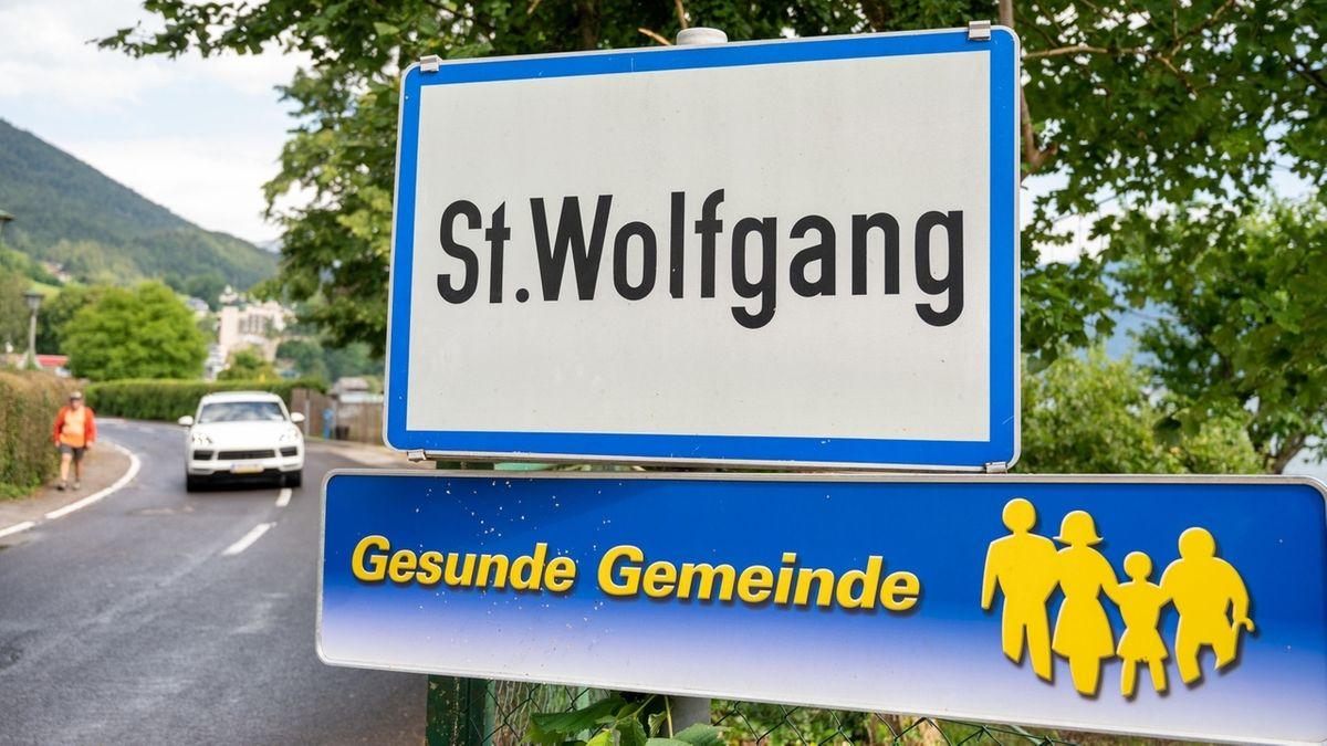 Ortstafel von St. Wolfgang im Salzkammergut