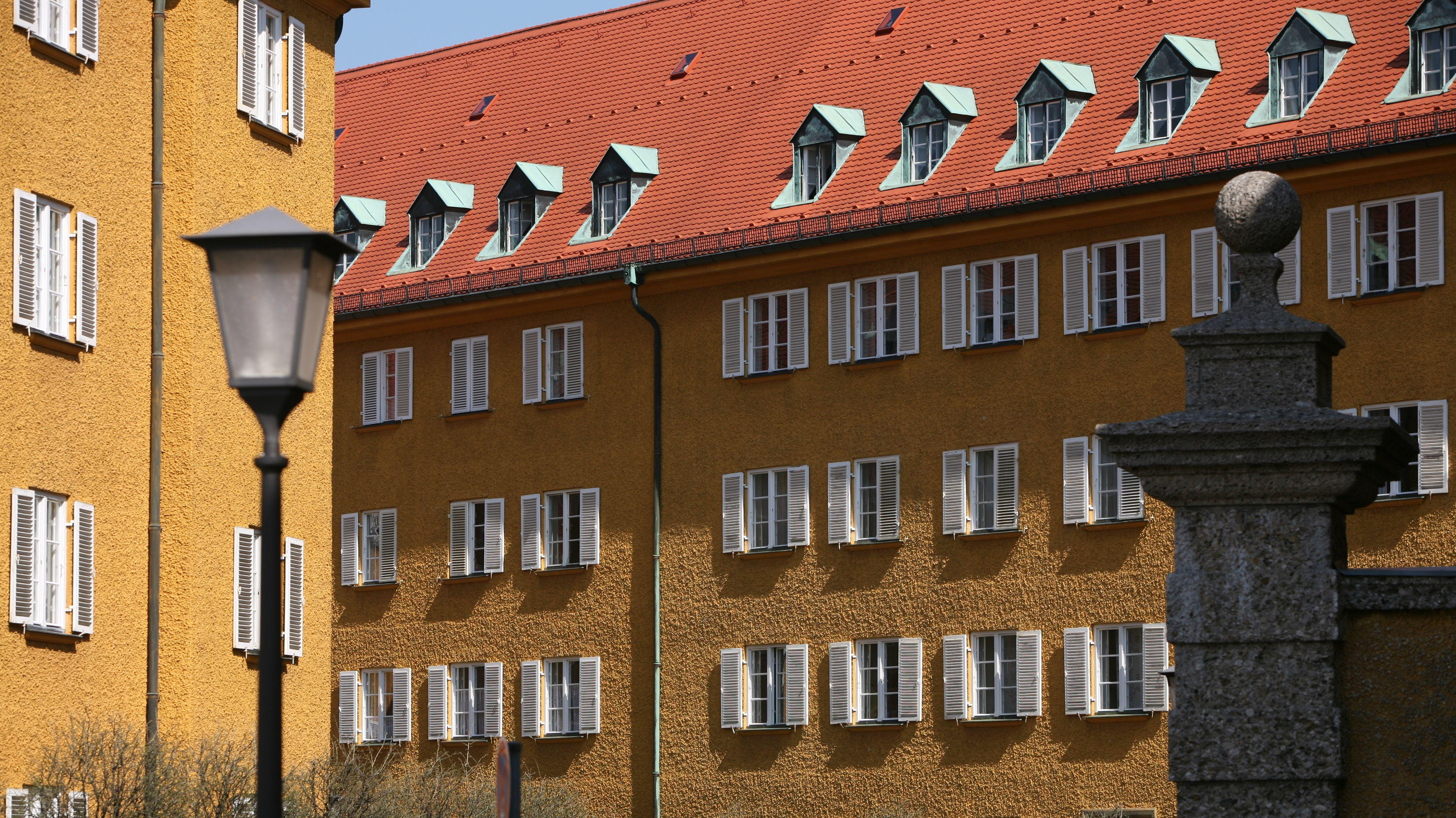 Häuser in der denkmalgeschützten Wohnsiedlung Borstei an der Dachauer Straße in München