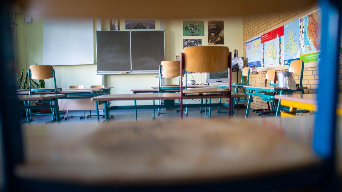 Außer für die Abschlussklassen ist die Wiederaufnahme des Unterrichts an bayerischen Schulen weiter nicht absehbar.