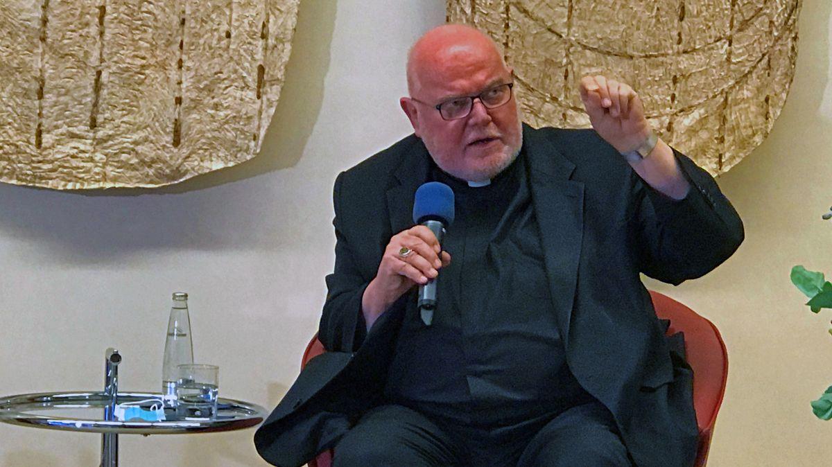 Kardinal Reinhard Marx bei der Buchvorstellung in der Katholischen Akademie